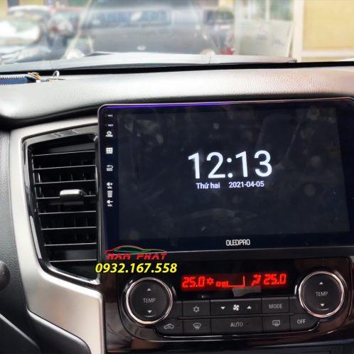 Màn hình OledPro X8s trên bán tải Triton